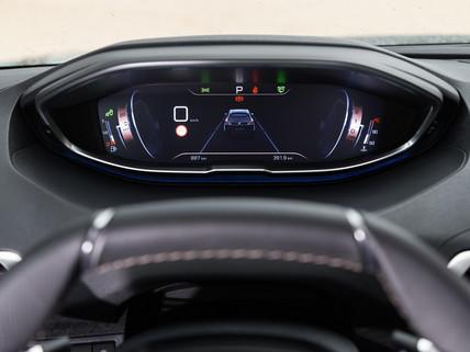 Combiné tête haute Peugeot i-Cockpit