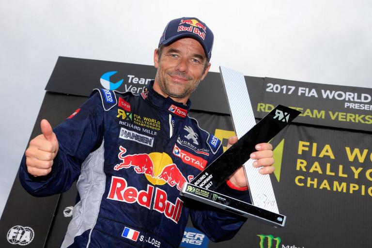 Další pódiové umístění pro Sébastiena Loeba poté, co se oba vozy PEUGEOT 208 WRX 2017 dostaly v Hellu do finále