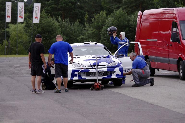 Štěpán Vojtěch s Michalem Ernstem a Peugeotem 206 WRC znovu na startu Rally Bohemia