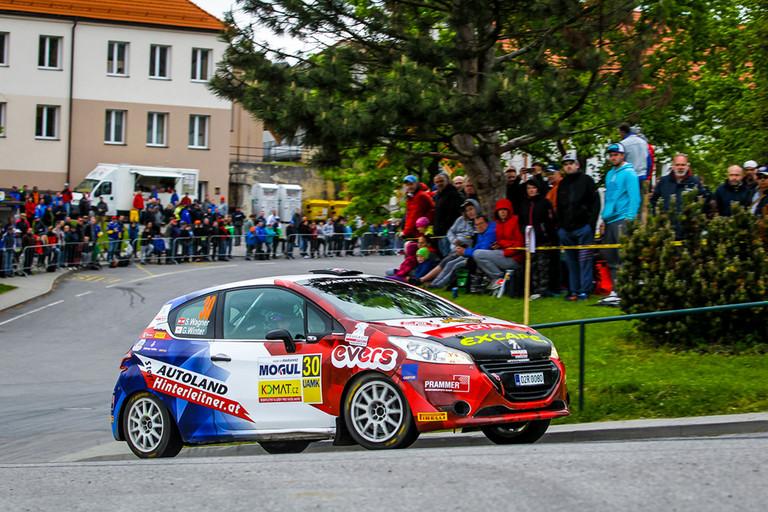"""""""Rallye mezi vinicemi"""" v obležení značky Peugeot"""